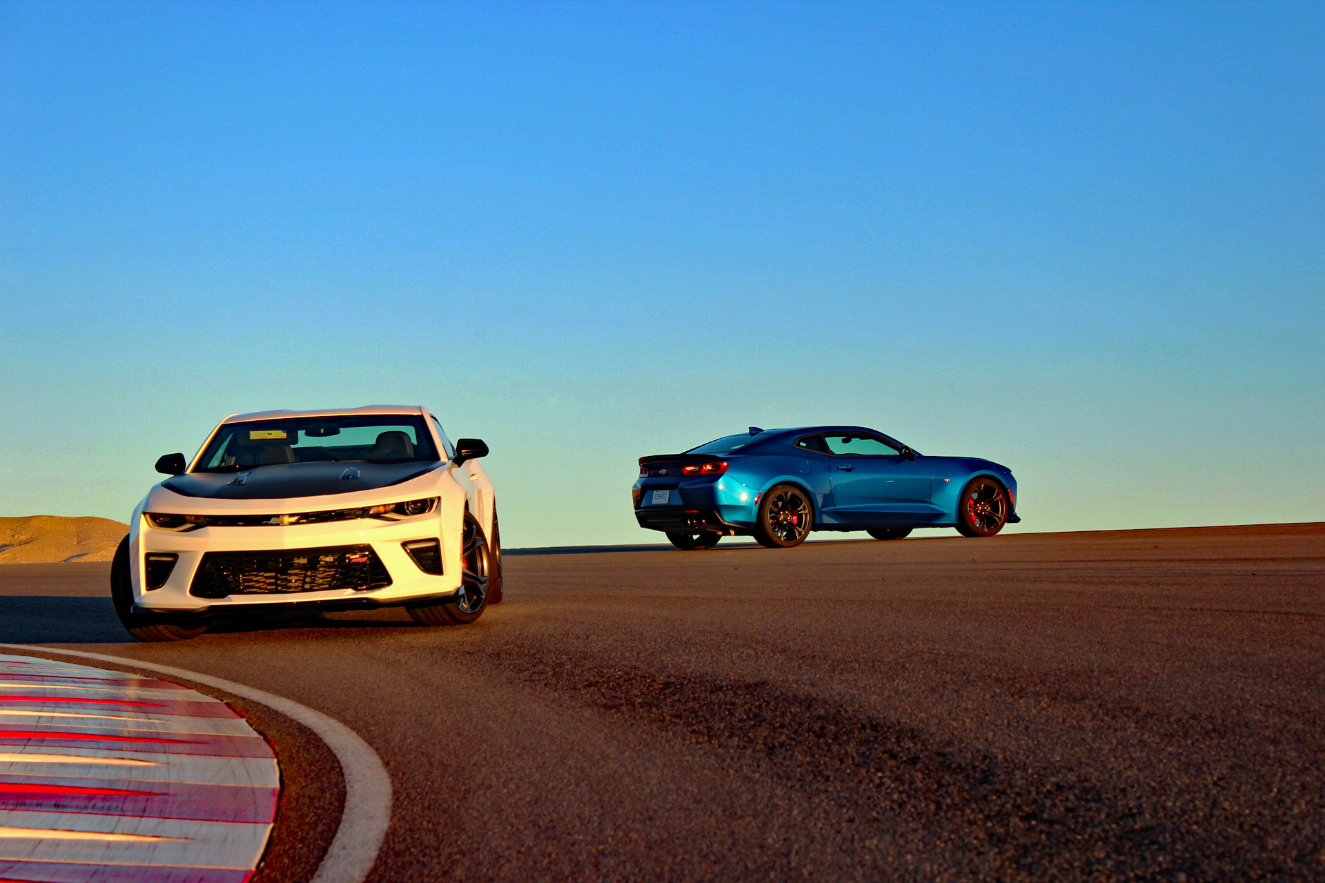 2017 chevrolet camaro 1le first drive review 1leheheheee the 2017 chevrolet camaro 1le track shot publicscrutiny Image collections