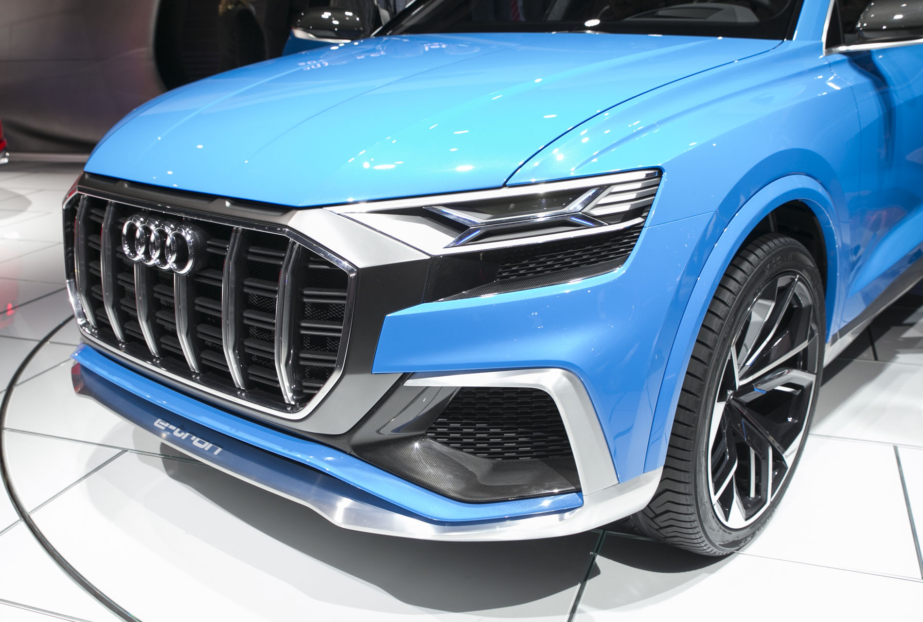 naias 2017 audi q8 concept is the jacked up a8 you always wanted the truth about cars. Black Bedroom Furniture Sets. Home Design Ideas