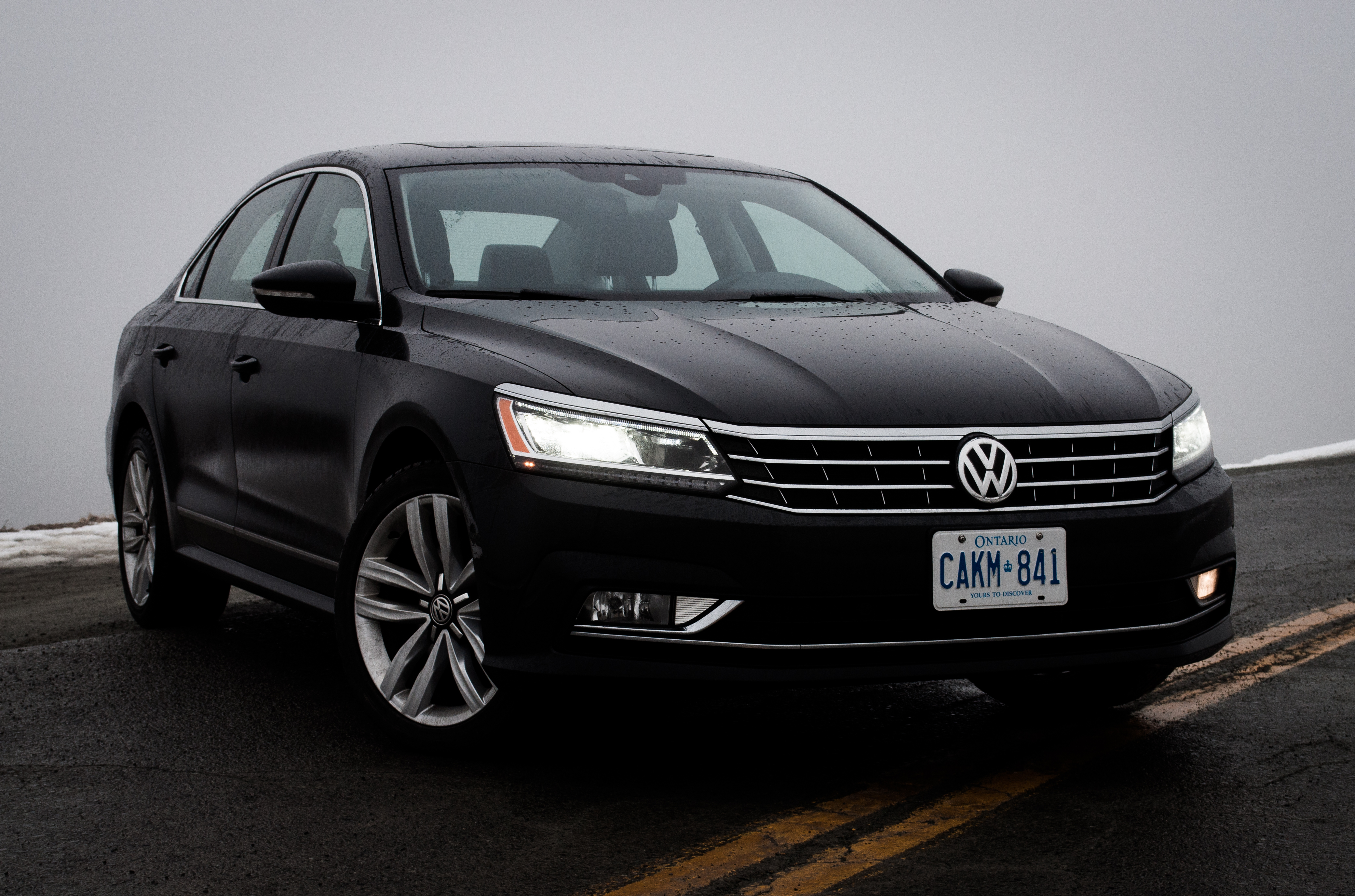 2017 volkswagen passat v6 review lower saxony 39 s tennessee sedan volunteers for family sedan. Black Bedroom Furniture Sets. Home Design Ideas