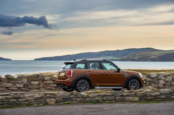 2017 Mini Cooper S Countryman All4 - Image: Mini USA