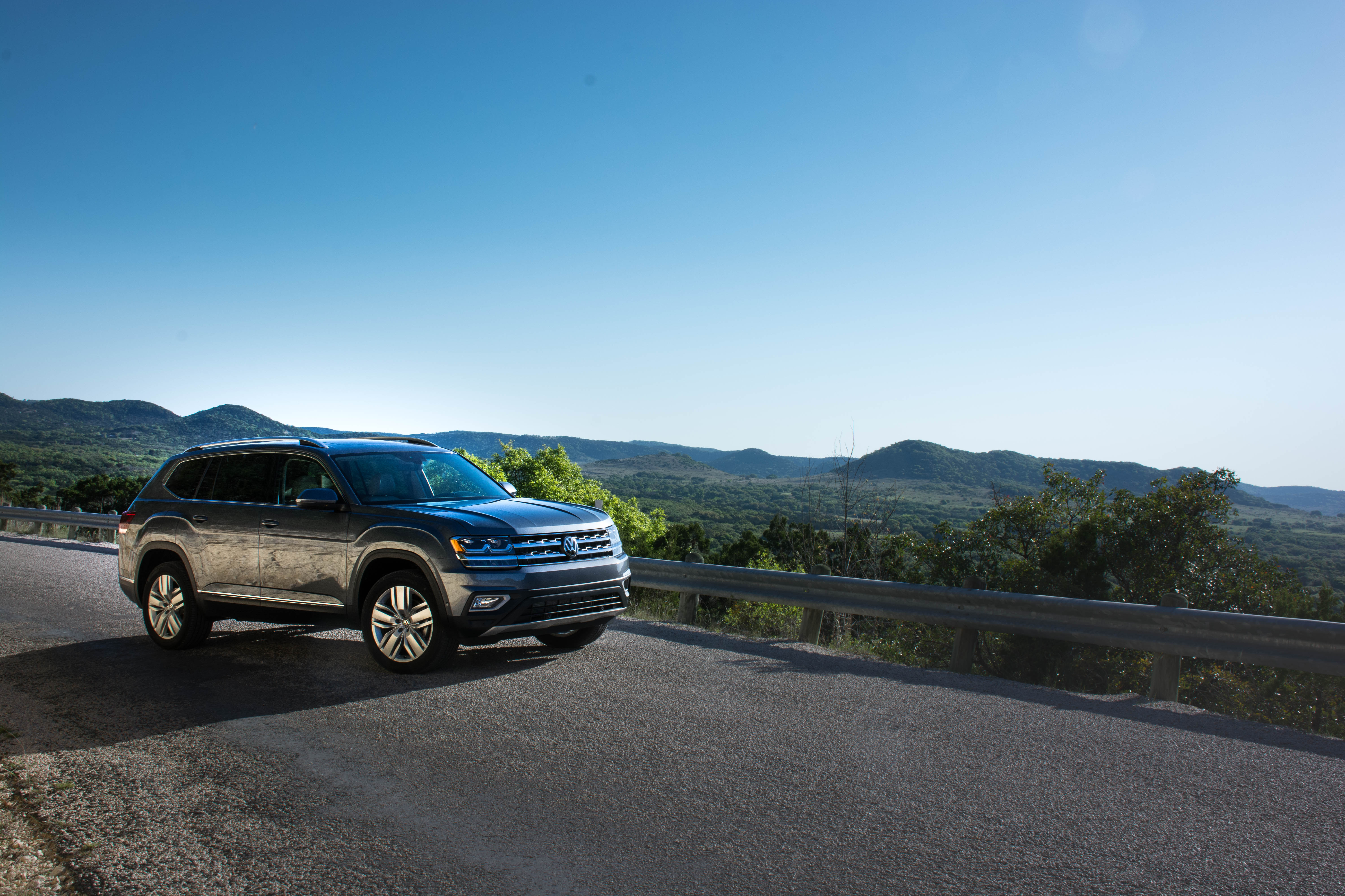 volkswagen atlas  drive review critical mass  truth  cars