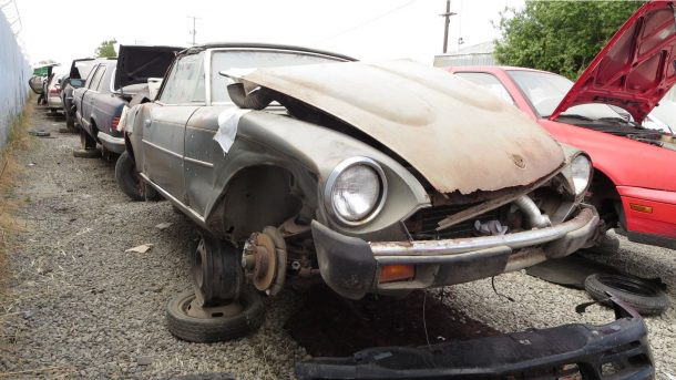 1979 Fiat 124 Sport Spider in California wrecking yard, RH front view - ©2017 Murilee Martin - The Truth About Cars