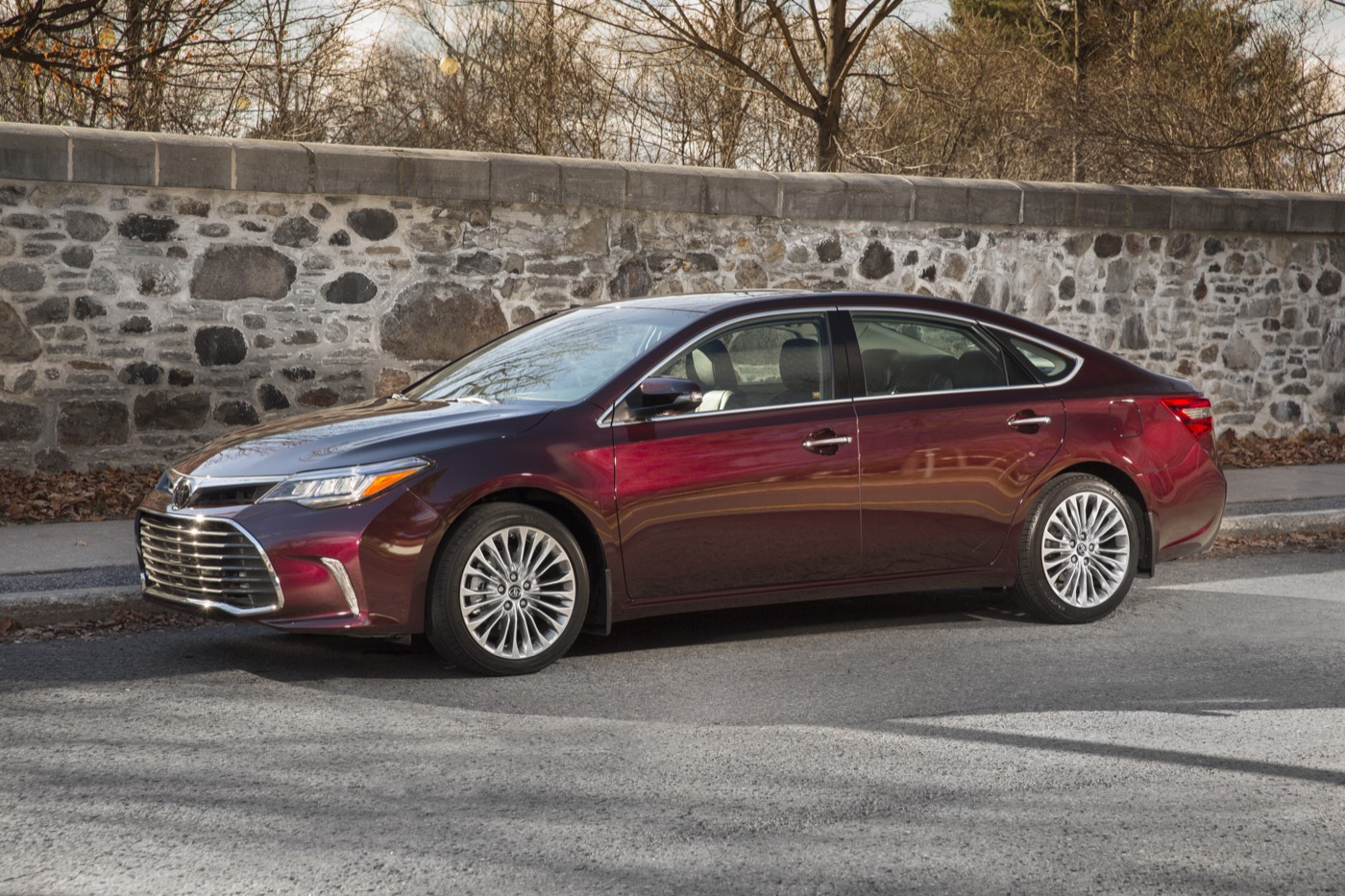12 Best Luxury Midsize Cars For The Money In 2019: Fifth-Gen Toyota Avalon Due Next Year