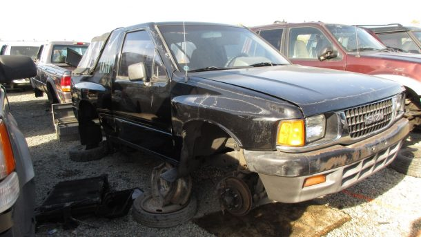 00-1993-Isuzu-Amigo-in-California-wrecking-yard-photo-by-Murilee-Martin-610x343 taciki.ru