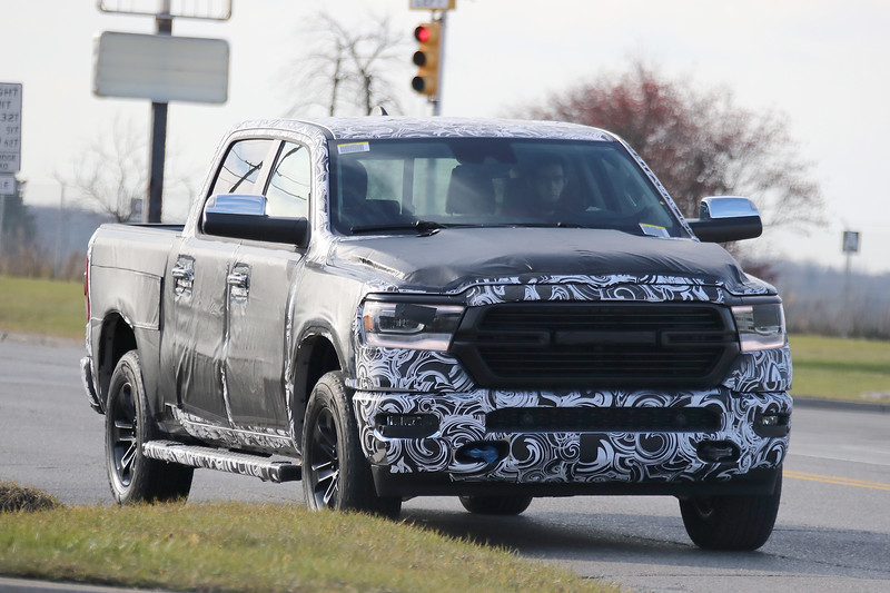 spied 2019 ram 1500 now with less camo and tradition. Black Bedroom Furniture Sets. Home Design Ideas