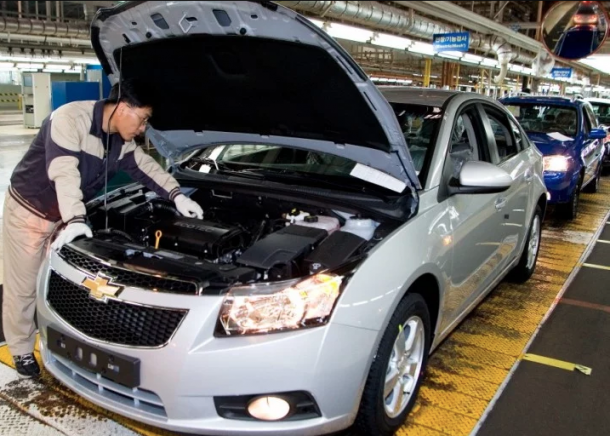 General-Motors-Gunsan-South-Korea-Plant-Chevrolet-Cruze-Production-01-720x513