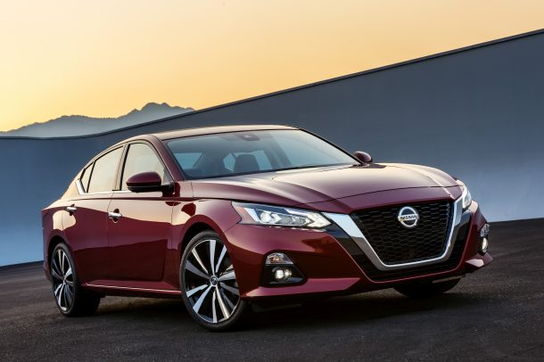 2019_Nissan_Altima_Photo_01-610x406 taciki.ru