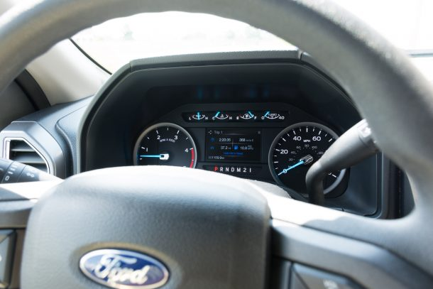 2018 Ford F-550 gauges