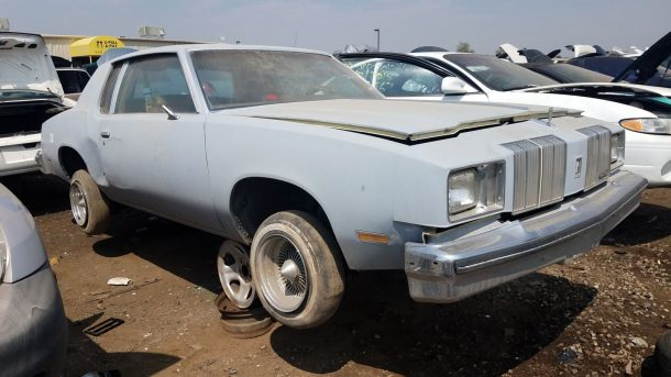 1979 Oldsmobile Cutlass Supreme in Colorado wrecking yard, RH front view - ©2018 Murilee Martin - The Truth About Cars