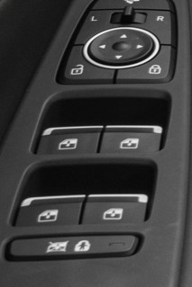 2019 Hyundai Santa Fe Window and Door Controls
