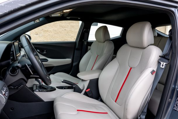2019 Hyundai Veloster Turbo front seats