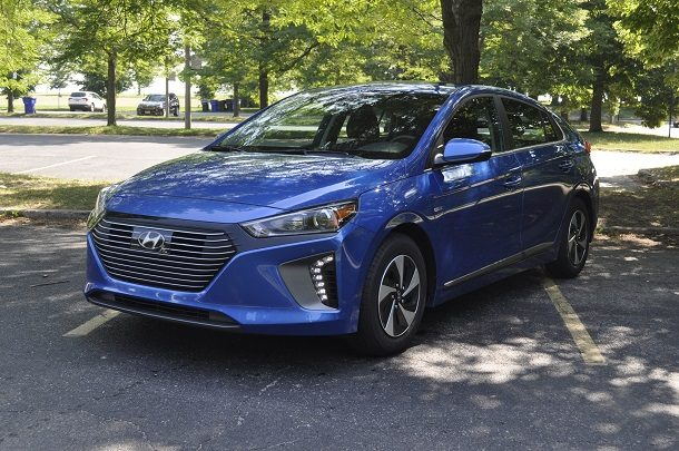 2018 Hyundai Ioniq Review – Fading Into the Background, Gracefully