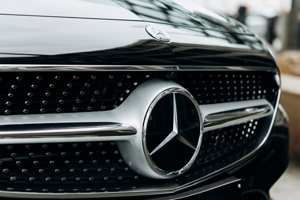 Mercedes-Benz Reportedly Planning to Cut Management, Freeze Wages