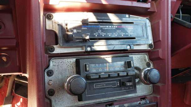 1983 Mercury Marquis in California junkyard, HVAC controls and radio - ©2020 Murilee Martin - The Truth About Cars