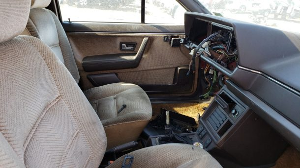 1985 Volkswagen Quantum in Colorado junkyard, interior - ©2020 Murilee Martin - The Truth About Cars