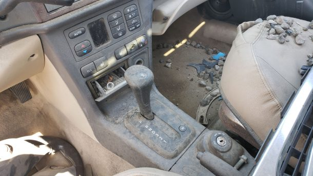 2002 Saab 9-3 in Colorado junkyard, automatic gearshift - ©2020 Murilee Martin - The Truth About Cars