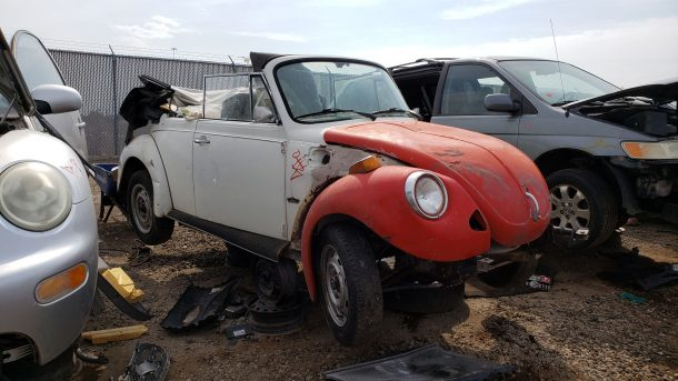 1978 VW Beetle cabriolet in Colorado junkyard, RH front view - ©2021 Murilee Martin - The Truth About Cars